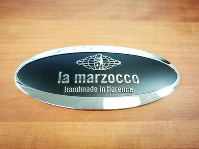 Seitenwände (Holz, Paar) zu La Marzocco GS3 - Birnbaum